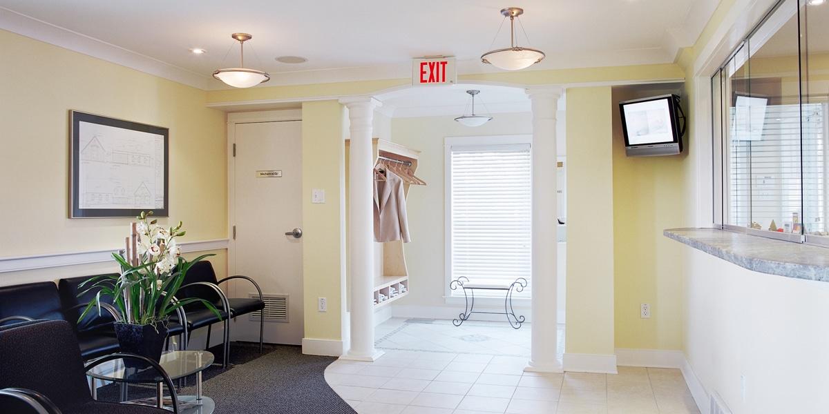 Kanata Plastic and Cosmetic Surgery - Ottawa Cosmetic Surgery - Waiting Room